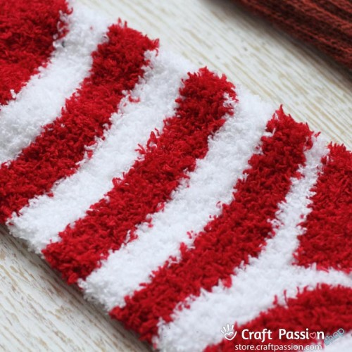 Chenille Microfiber Socks Set - Red White Stripes